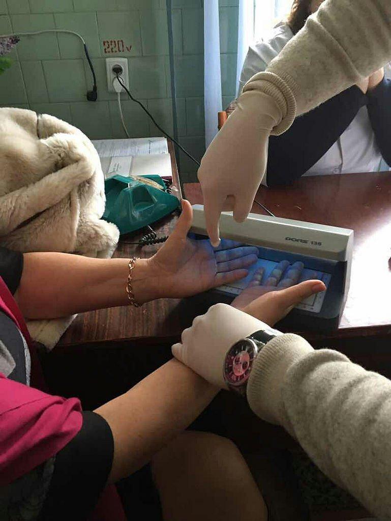 В Кам'янці на хабарі затримано голову лікарсько-консультативної комісії (ФОТО), фото-2