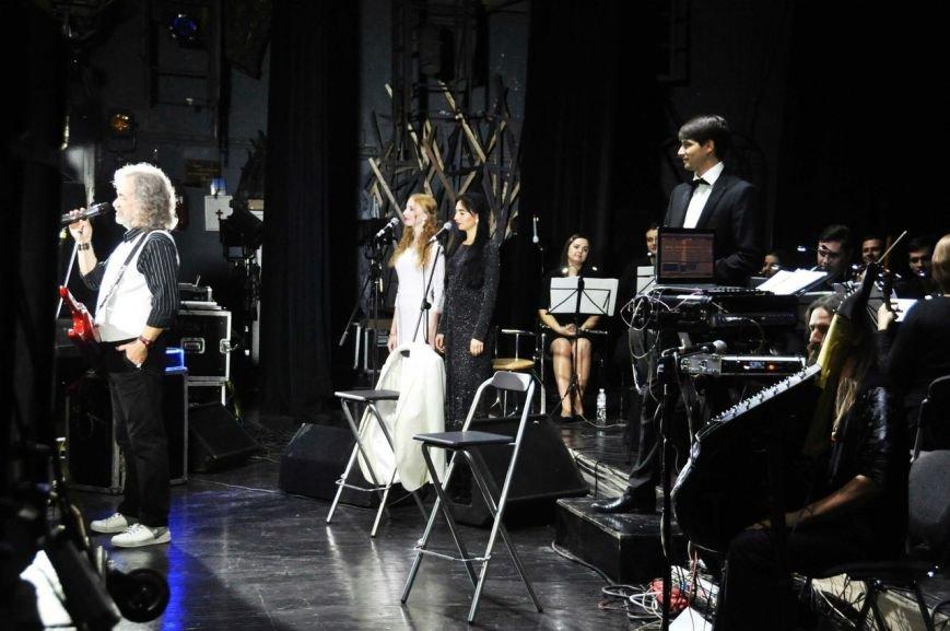 Конотопчанку запросили на бек-вокал до відомого співака Тараса Петриненка, фото-1
