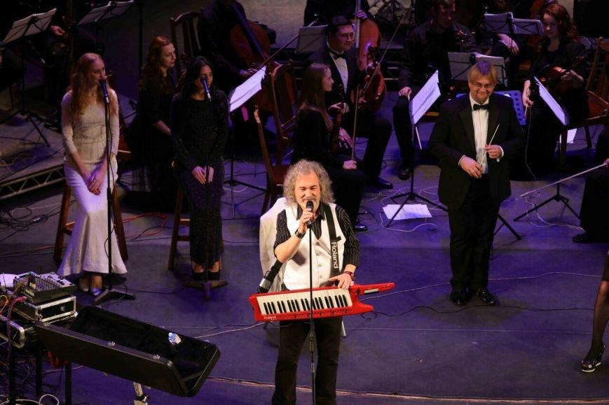 Конотопчанку запросили на бек-вокал до відомого співака Тараса Петриненка, фото-2