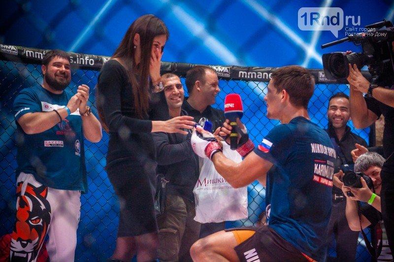 На турнире ММА ростовский боец сделал предложение своей девушке, фото-1