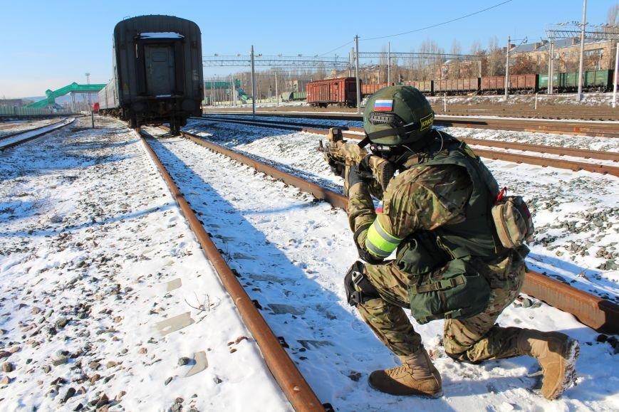 ФСБ Саратова провели в городе антитеррористические учения, фото-6
