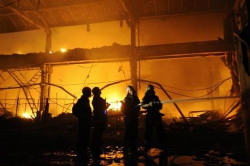 В Энгельсе сгорел склад макулатуры, фото-1