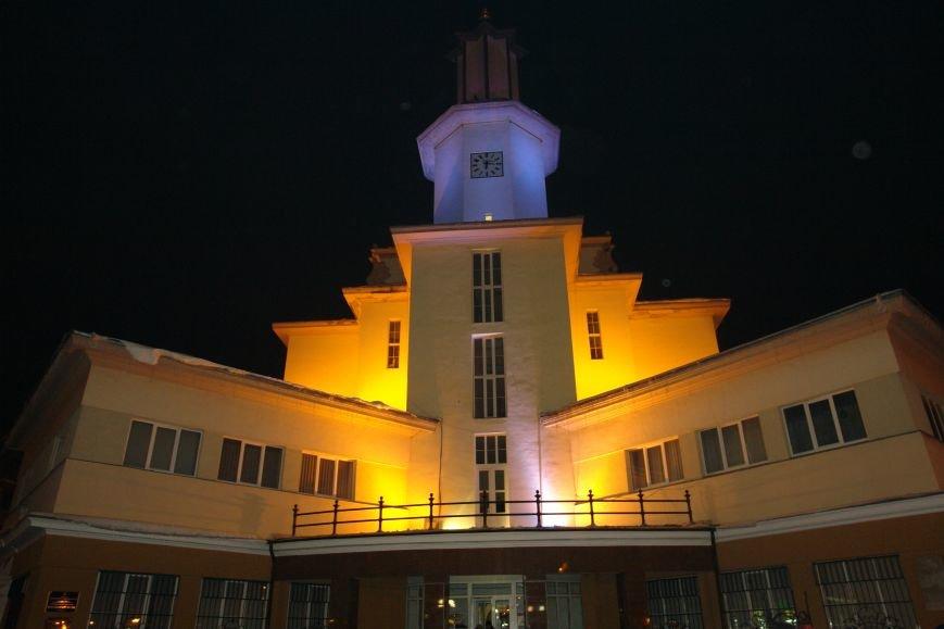 Франківська ратуша засвітилася по-новому (ФОТОЗВІТ), фото-16
