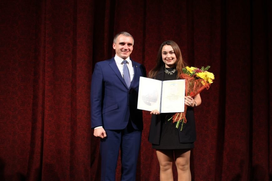 Лучших николаевских студентов наградили стипендией мэра (ФОТО), фото-3