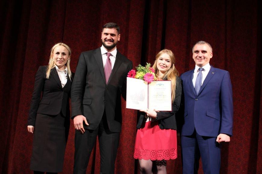 Лучших николаевских студентов наградили стипендией мэра (ФОТО), фото-1