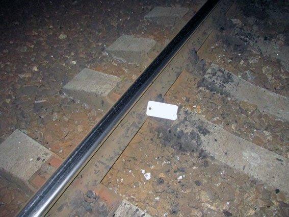 Сел на рельсы и ждал поезд: на Харьковщине электричка сбила человека (ФОТО), фото-1
