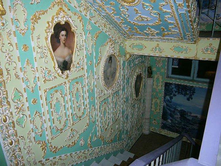 Ідея для франківських домоуправителів. Або як обісцяний під'їзд перетворити на мистецтво. Фото, фото-10