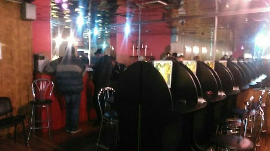Борьба с игорным бизнесом в Каменском: правоохранители провели обыски в залах игровых автоматов, фото-1