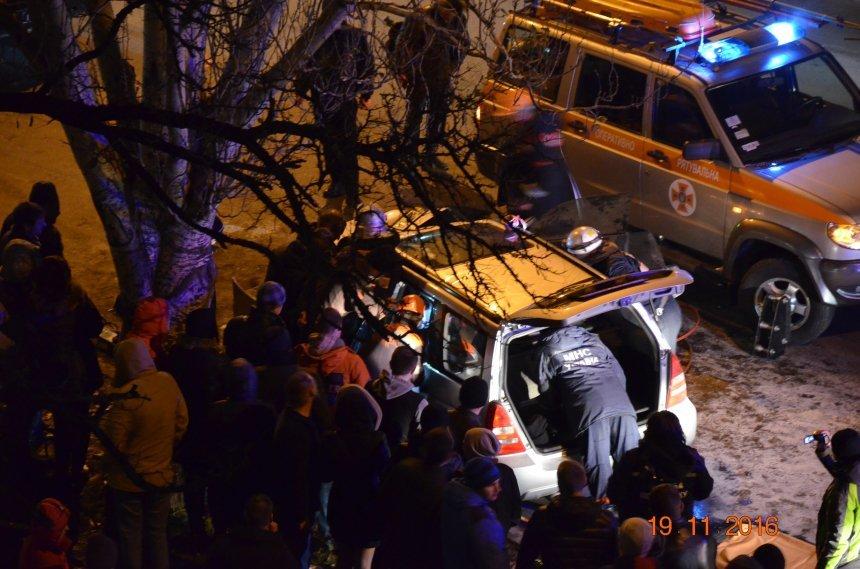 В Николаеве в следствии ДТП пострадали два человека (ФОТО), фото-2