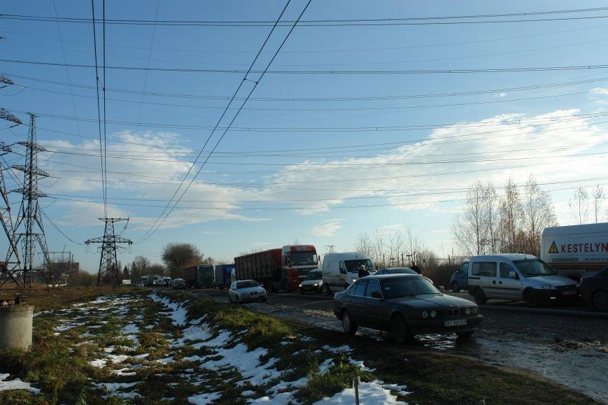 Мітингувальники з БуТЕС на годину перекрили львівське шосе (ФОТОРЕПОРТАЖ), фото-14