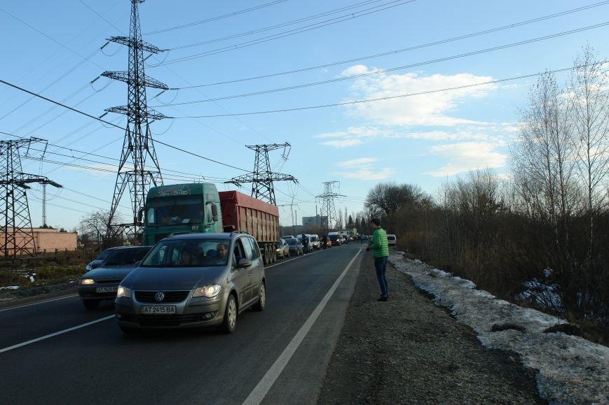 Мітингувальники з БуТЕС на годину перекрили львівське шосе (ФОТОРЕПОРТАЖ), фото-3