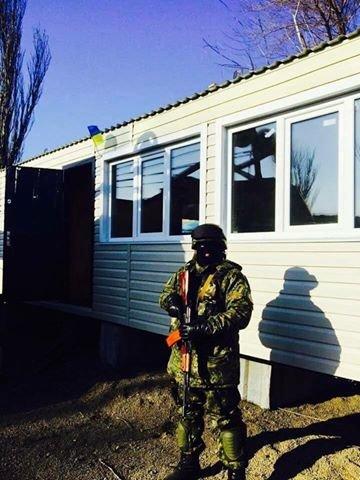 В Мариуполе с блокпостов исчезли модули, которые установил Саакашвили (ФОТО), фото-2