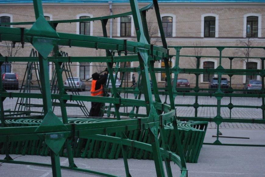 Световые орнаменты и огромные шары: какой будет главная елка Харькова в этом году, фото-2