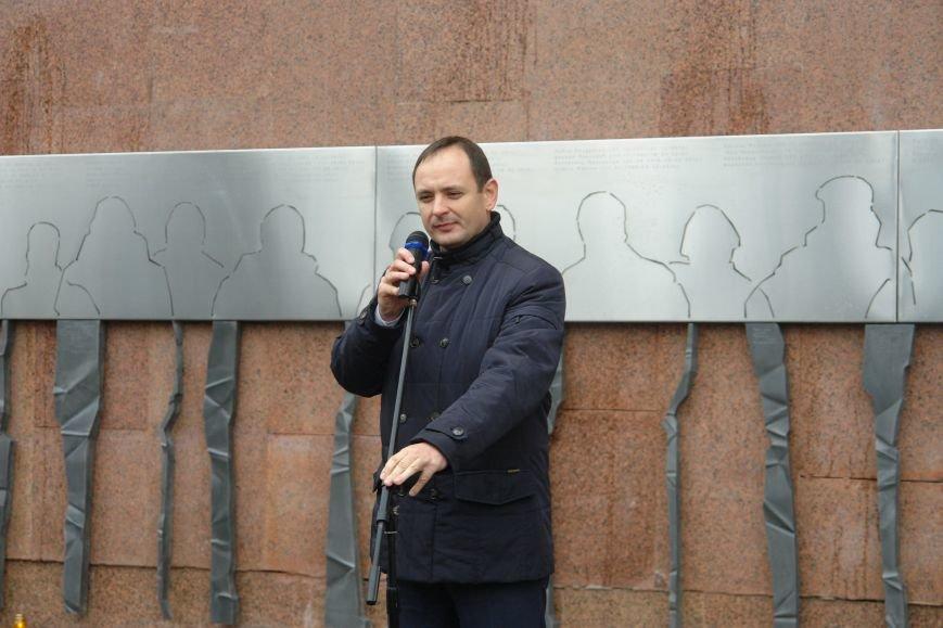 В Івано-Франківську відкрили стіну пам'яті героїв Небесної Сотні (ФОТОРЕПОРТАЖ), фото-11