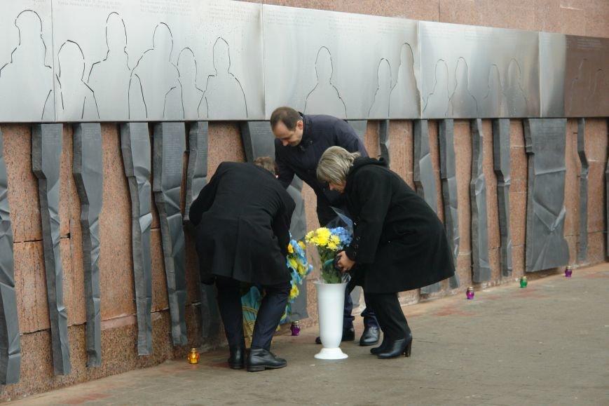 В Івано-Франківську відкрили стіну пам'яті героїв Небесної Сотні (ФОТОРЕПОРТАЖ), фото-7