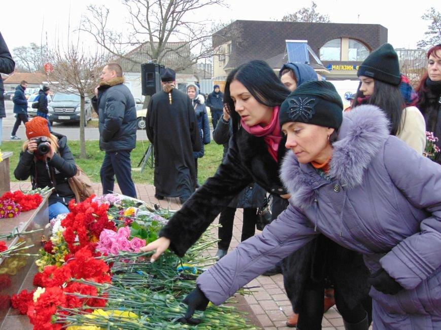 Третья годовщина Майдана: в Николаеве почтили память Небесной сотни (ФОТО), фото-10