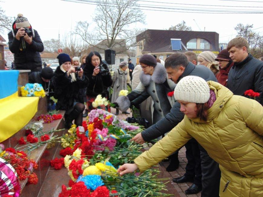 Третья годовщина Майдана: в Николаеве почтили память Небесной сотни (ФОТО), фото-11