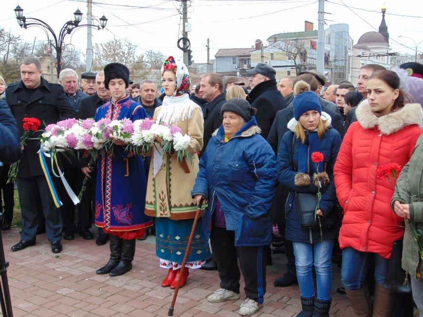 Третья годовщина Майдана: в Николаеве почтили память Небесной сотни (ФОТО), фото-3