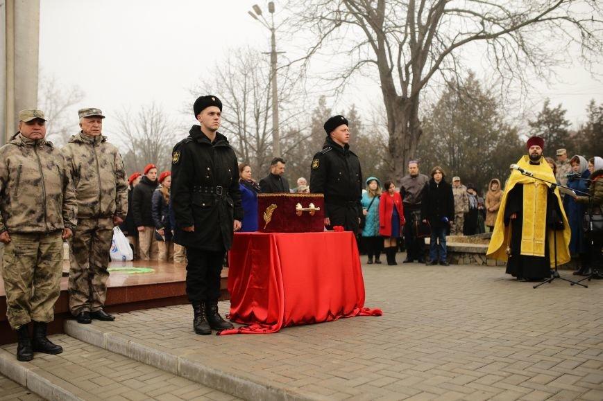 В Симферополе проводили в последний путь крымского солдата, погибшего 73 года назад под Ленинградом (ФОТО), фото-1