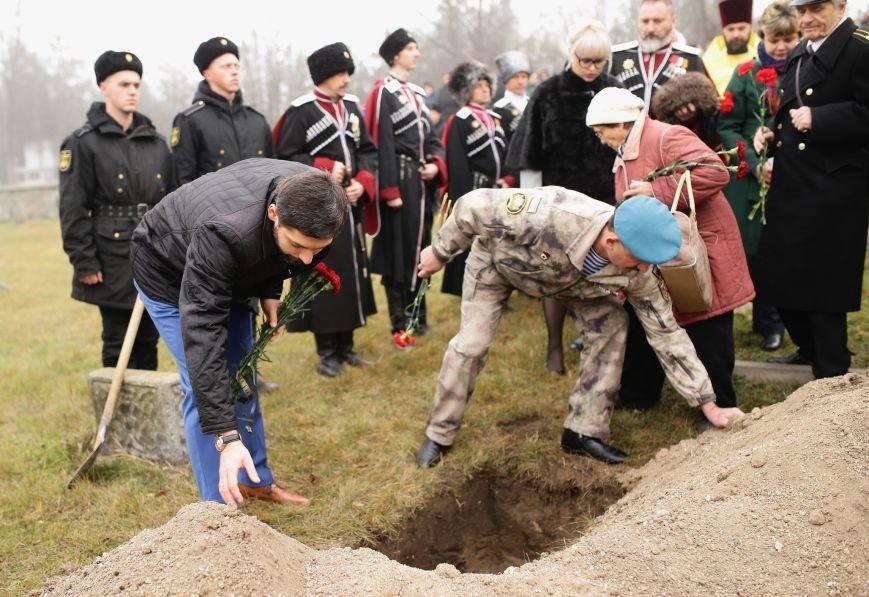 В Симферополе проводили в последний путь крымского солдата, погибшего 73 года назад под Ленинградом (ФОТО), фото-7