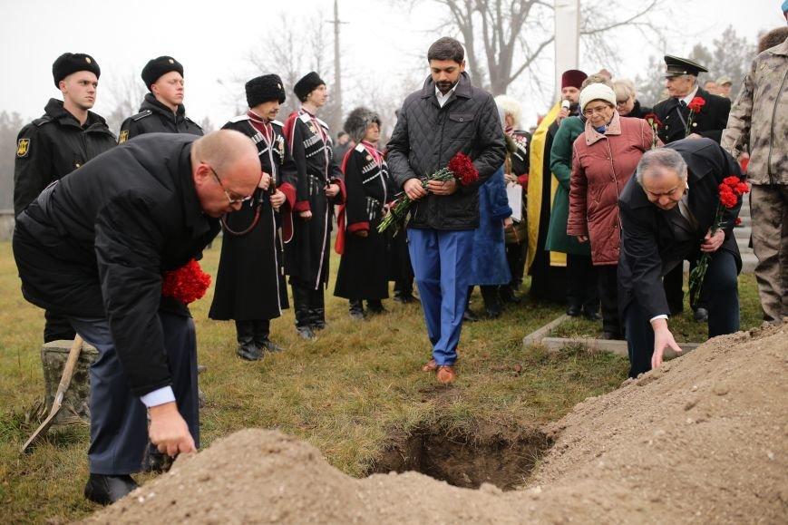 В Симферополе проводили в последний путь крымского солдата, погибшего 73 года назад под Ленинградом (ФОТО), фото-6