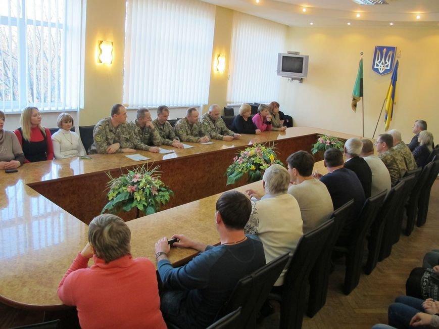 По случаю Дня Достоинства и Свободы в Бахмутском районе поблагодарили военнослужащих, фото-1