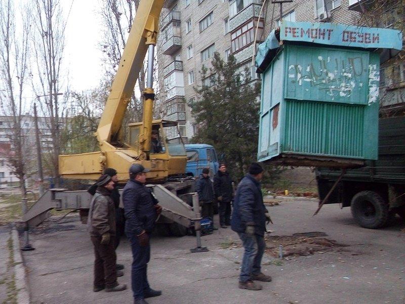 В Заводском районе демонтировали незаконно установленные объекты (ФОТО), фото-2