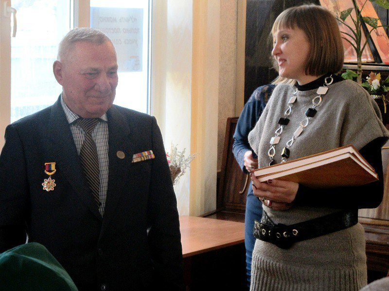 Мелитопольцы встретились с обладателем правительственных наград, фото-2