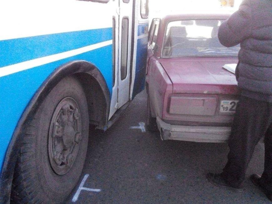 В Сумах произошло ДТП с участием троллейбуса (ФОТО), фото-2