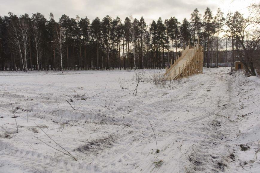 Городская елка в Полевском строится в парке, фото-1