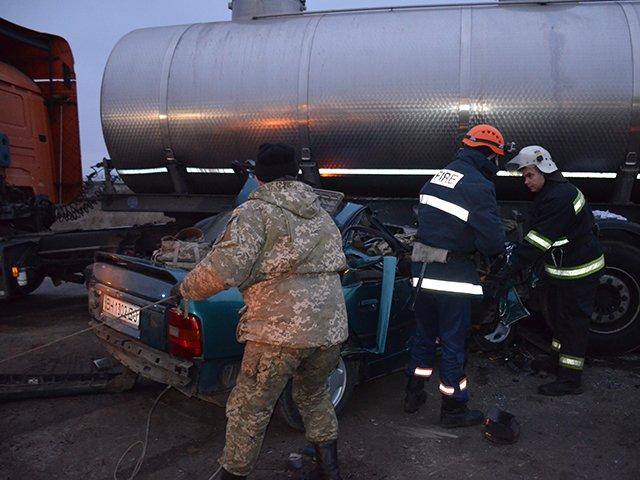 Під Миколаєвом у ДТП загинуло двоє кам'янчан, фото-2