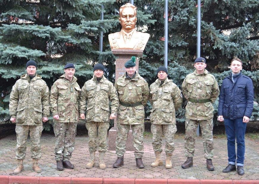 Група військовослужбовців з Великобританії відвідала окрему інженерну бригаду, фото-1