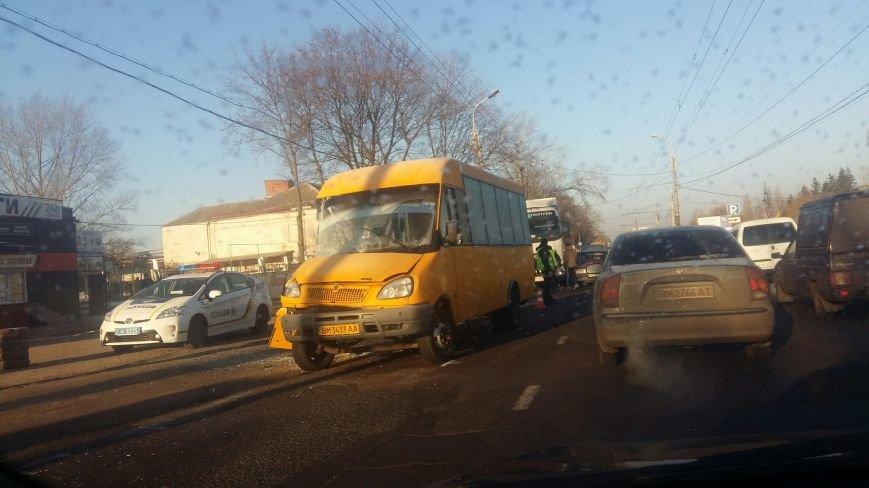 В Сумах утро началось с ДТП: столкнулись МАЗ и маршрутка (ФОТО), фото-2
