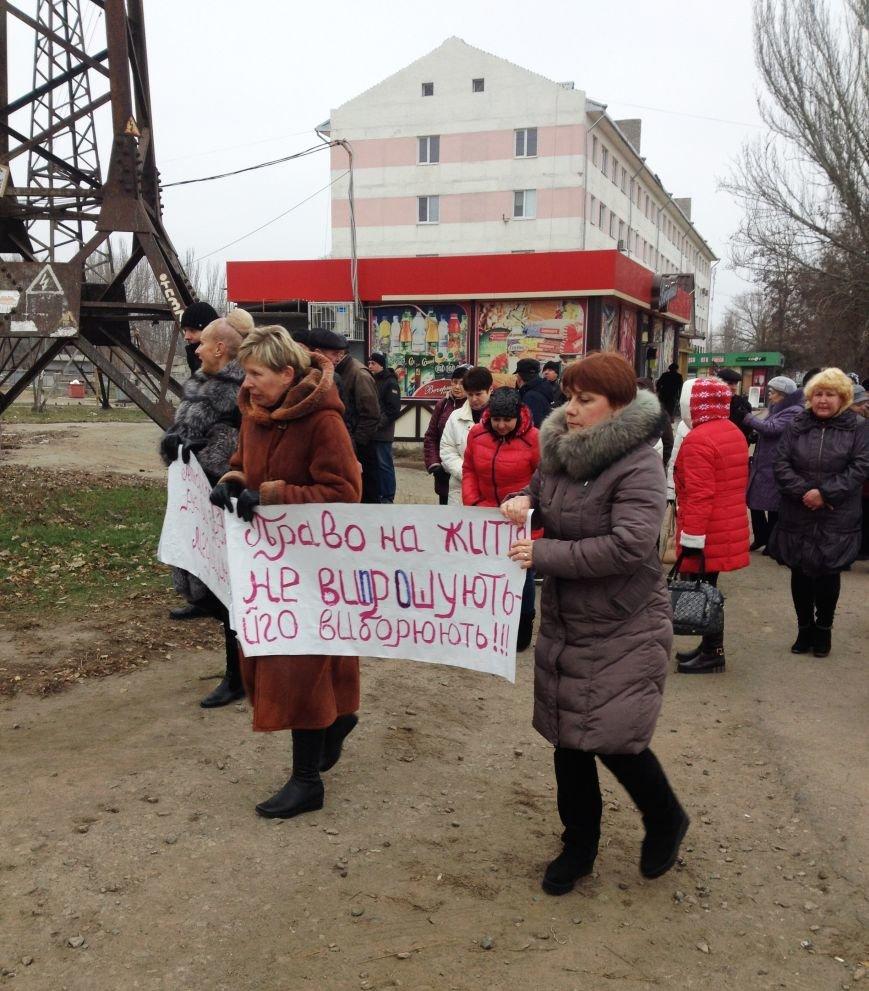 Персонал Никопольской станции скорой помощи продолжает отстаивать своё здание (фото), фото-21