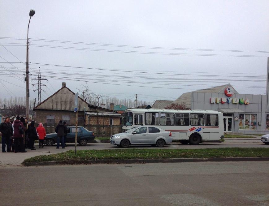 Персонал Никопольской станции скорой помощи продолжает отстаивать своё здание (фото), фото-13