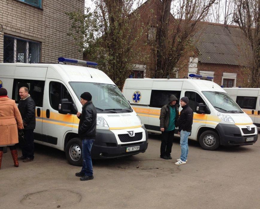 Персонал Никопольской станции скорой помощи продолжает отстаивать своё здание (фото), фото-2