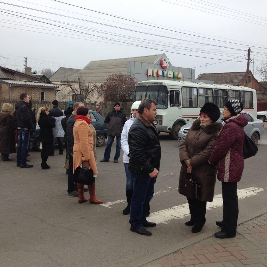 Персонал Никопольской станции скорой помощи продолжает отстаивать своё здание (фото), фото-14