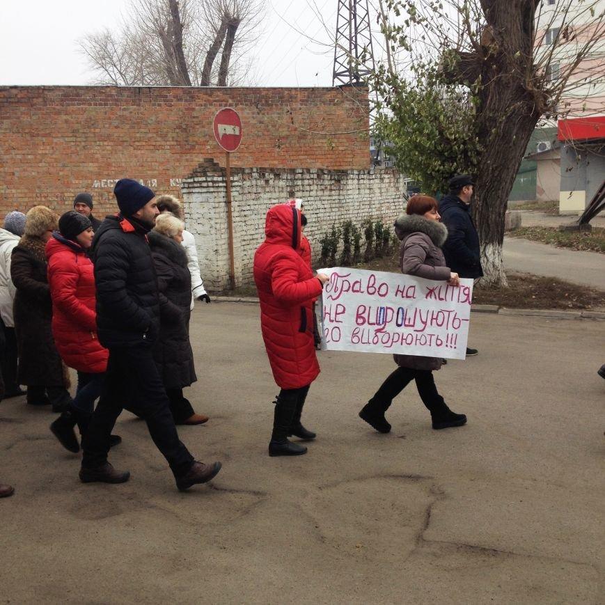 Персонал Никопольской станции скорой помощи продолжает отстаивать своё здание (фото), фото-3