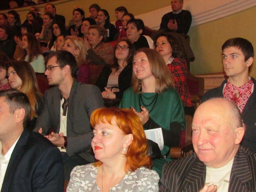 25-летний юбилей МГУ превратился в конкурс оригинальных поздравлений (ФОТО, ВИДЕО), фото-9