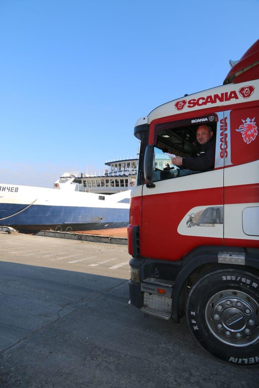 Дальнобойщик из Рязани стал 6-миллионным пассажиром Керченской переправы (ФОТО), фото-4