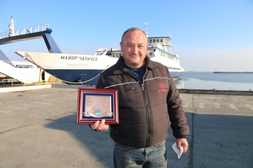 Дальнобойщик из Рязани стал 6-миллионным пассажиром Керченской переправы (ФОТО), фото-1
