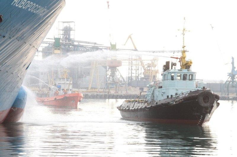 В Севастопольском морском порту тушили корабль «Новороссийск» (ФОТО), фото-7