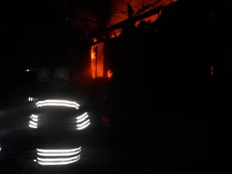 """У Броварах згоріло авто """"Mitsubishi Outlander"""", а на Броварщині дачний будинок (ФОТО), фото-3"""