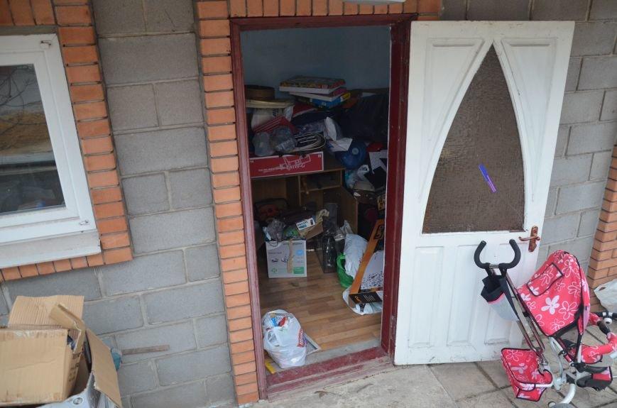 В Мариуполе в доме у члена партии «Батьківщина» с нарушениями искали оружие и взрывчатку (ФОТО+ВИДЕО), фото-4