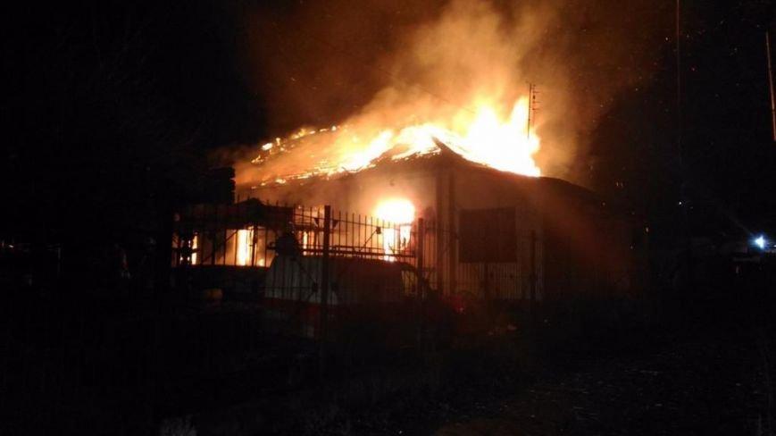 В Симферополе ночью сгорело кафе (ФОТО, ВИДЕО, обновлено), фото-2