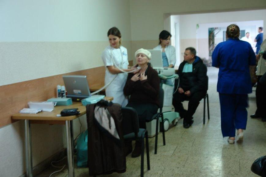 Франківчанам в доступній форм пояснювали, як зберегти здоров'я своїх судин (ФОТО), фото-6