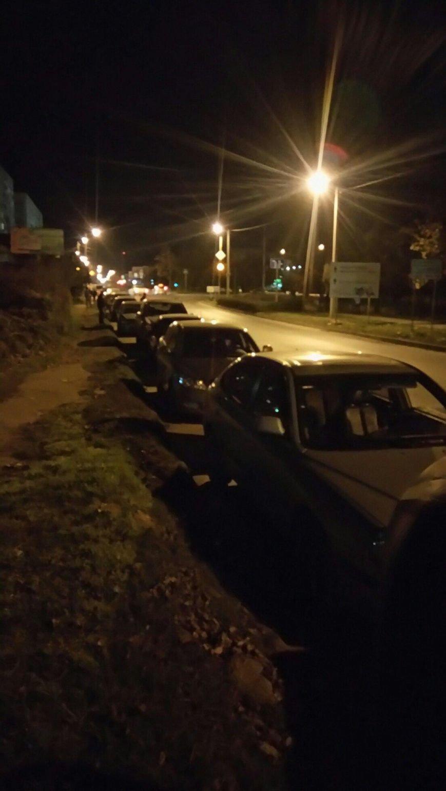 «Чёрная пятница» добралась до заправок Крыма и парализовала движение (ФОТО, ВИДЕО), фото-3