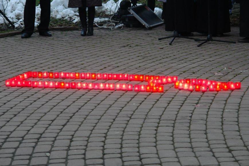 Івано-Франківськ вшанував пам'ять жертв Голодомору, запаливши символічні свічки (ФОТО), фото-9