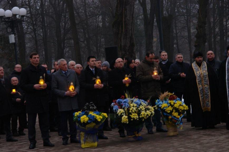 Івано-Франківськ вшанував пам'ять жертв Голодомору, запаливши символічні свічки (ФОТО), фото-5
