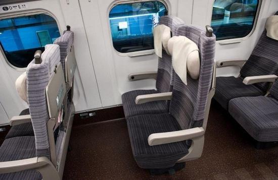 Япония запускает в эксплуатацию новый скоростной поезд (фото, видео), фото-3